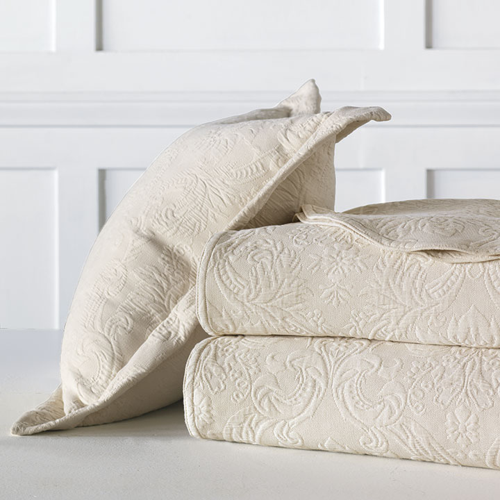 Sandrine Matelasse - Ecru - bed skirt, grand sham, coverlet, throw, euro sham, king hsam, standard sham, boudoir, bed pillow, pillow, decorative pillow, accent pillow, throw pillow, flange, neutral, natural, 100% cototn, cotton, matelasse, quilted, bedding, bedding collection, bedset, home décor, home goods, accessories, interior design, cozy, soft, texture, luxury, luxurious, expensive, high end, high quality, good quality, Portugal, woven, Egyptian, egyptian cotton, damask, floral, traditional, design, pattern, motif, jacquard, ecru, beige, cream