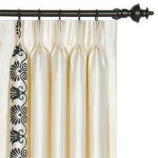 ANTHEMION IVORY/BLACK CURTAIN PANEL