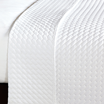 CRUISE WHITE COVERLET