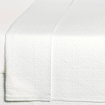 Mea White Coverlet