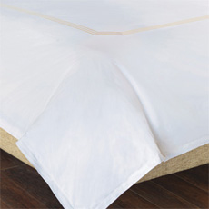 TESSA WHITE/CREME DUVET COVER and Comforter
