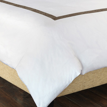 CORNICE WHITE/TRUFFLE DUVET COVER and Comforter