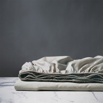 DELUCA DOVE FITTED SHEET