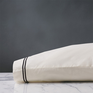 ENZO IVORY/BLACK PILLOWCASE