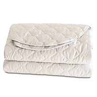 Viola Ivory Coverlet (Super Queen)