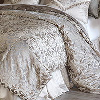 LeBlanc Button-Tufted Comforter