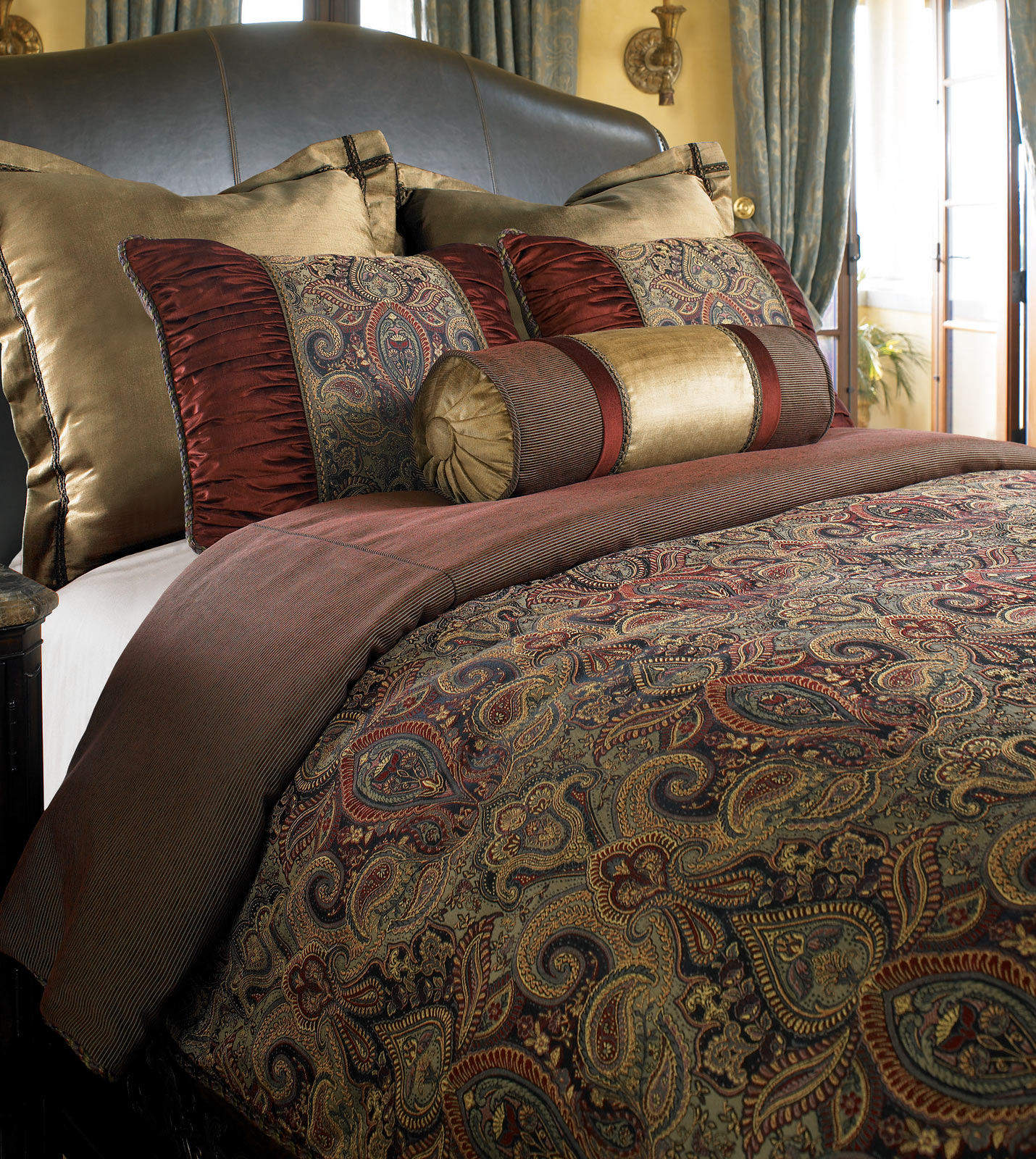 Discontinued Thomasville Bedding Sets
