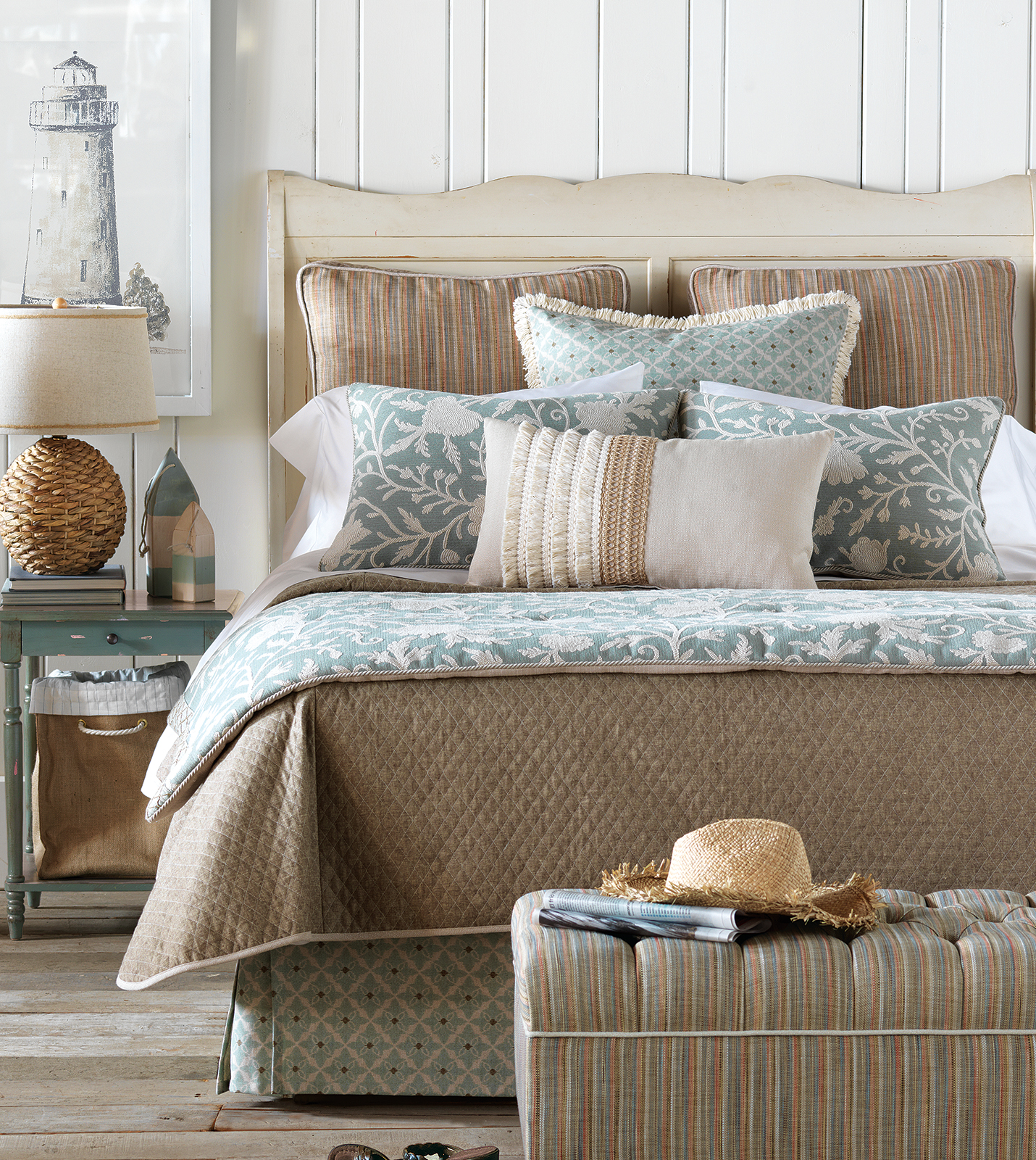 Luxury Bedding By Eastern Accents Avila Collection