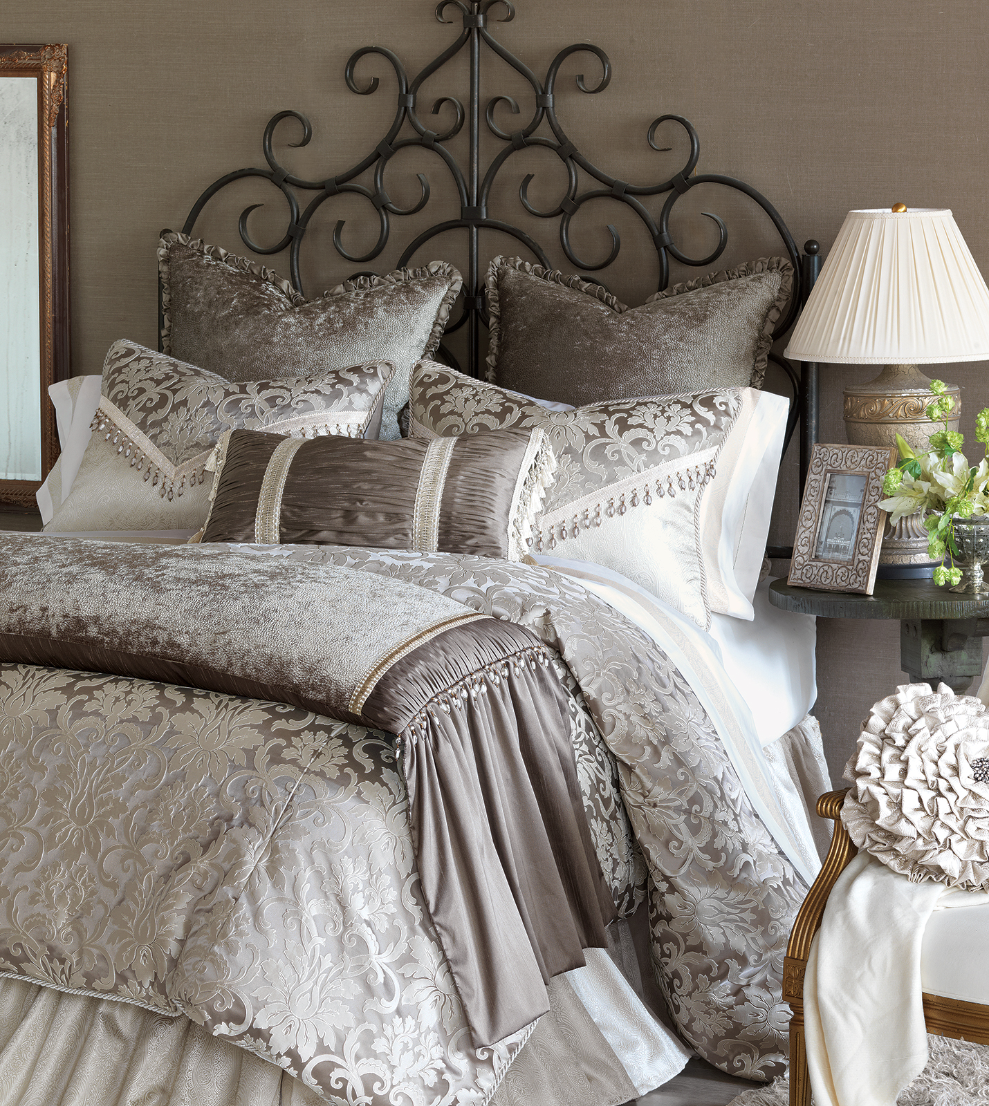 Marquise luxury bedding by eastern accents leblanc for Designer bed pics