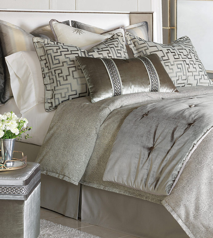Luxury Bedding By Eastern Accents Ezra Bedset
