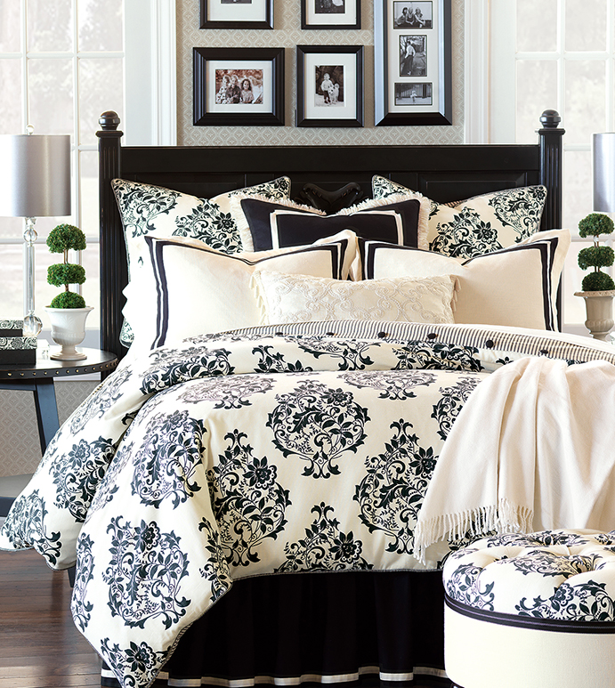 Evelyn Black And White Damask Bedding
