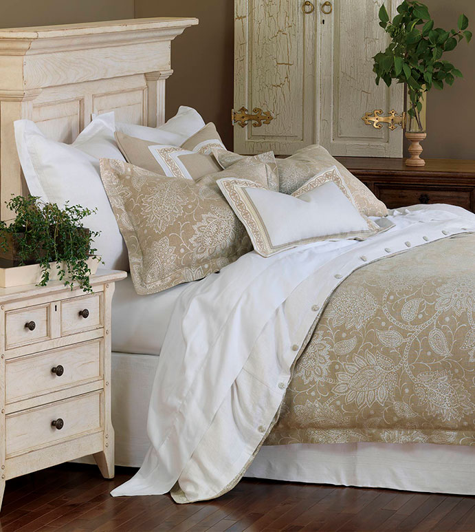 Aileen Bedset - tan paisley bedset,neutral paisley bedset,neutral floral bedset,linen bedset,white,cream,tan,ivory,floral,paisley,white and tan,classic,transitional,neutral,linen,floral print