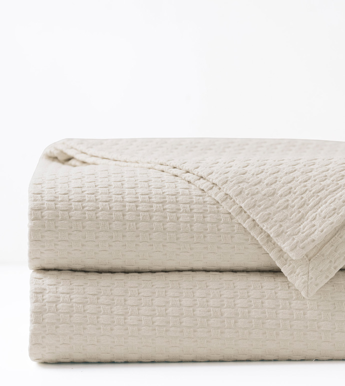 Tegan Matelasse Coverlet in Ivory