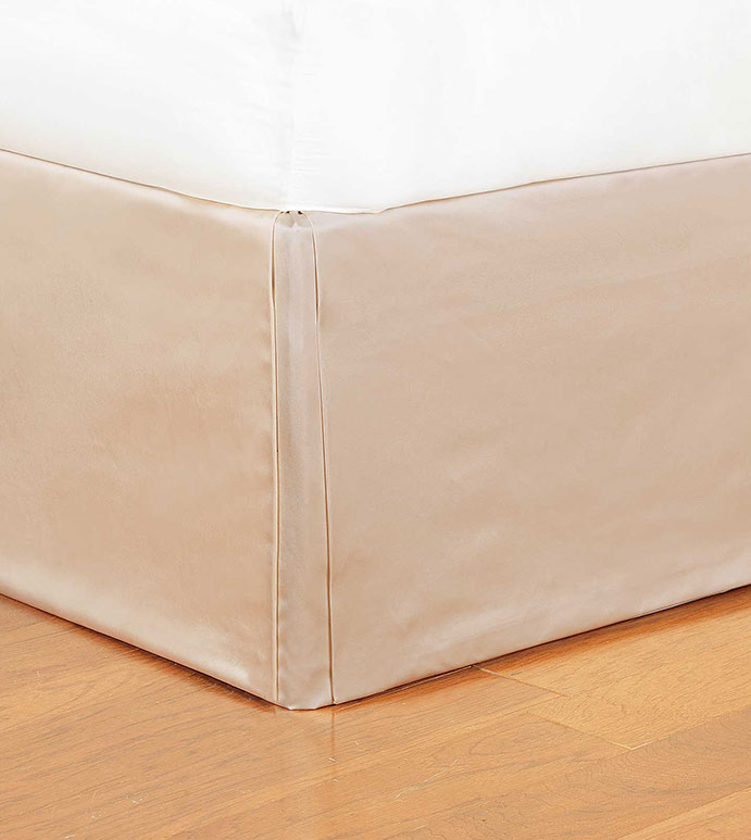 Marilyn Chamois Bed Skirt - SHINY,TAN,GLAMOUR,METALLIC,ELEGANT,FEMININE,GOLD,LUXURY,CHAMPAGNE,DECORATIVE,HOME DECOR,BEIGE,LUXURY BEDDING,SILKY,ACCENT,DESIGN,BED,DECORATIVE,BED SKIRT,SKIRT,PLEATED,CORNERS