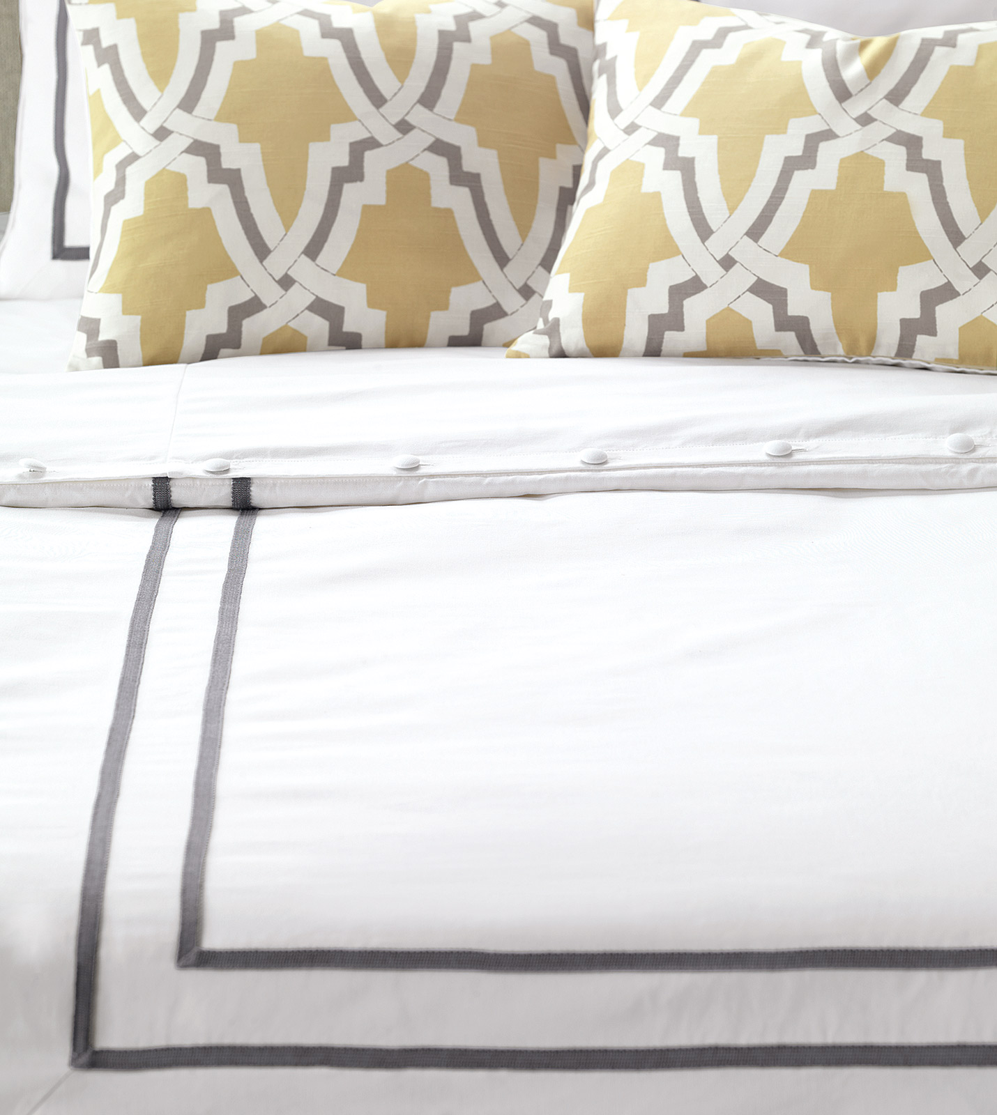Niche Luxury Bedding By Eastern Accents Autry White
