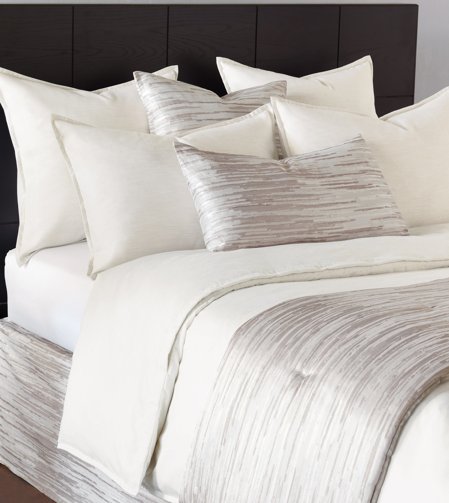 Niche Luxury Bedding By Eastern Accents Pierce Marble