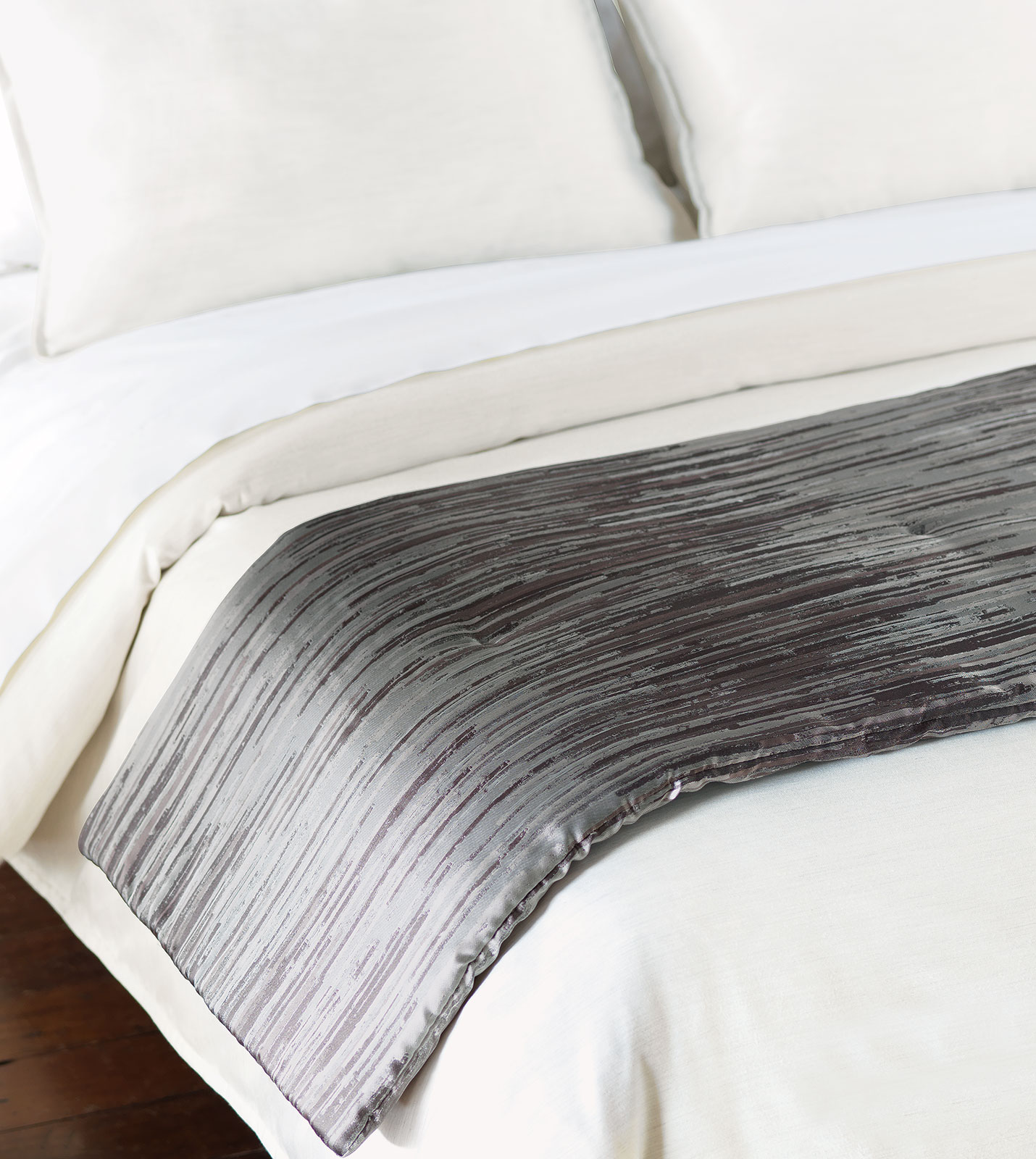 Niche Luxury Bedding by Eastern Accents - HORTA PEWTER BED