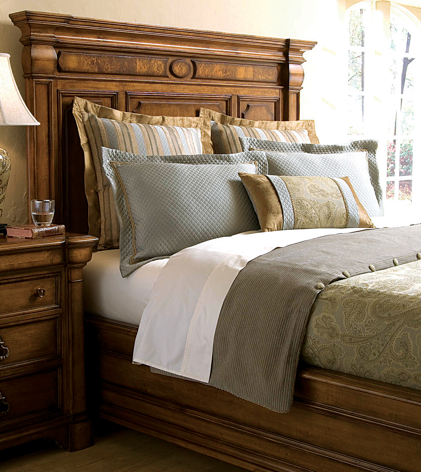 Thomasville Top Of Bed By Eastern Accents Dothan Duvet Cover